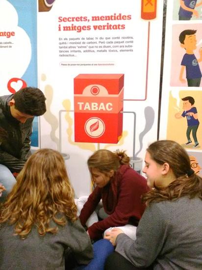 """Visita a l'exposició """"El tabac al descobert"""""""