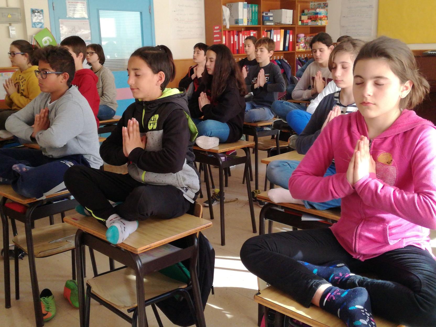 CLASSES DE IOGA A TREVA – 6è de primària