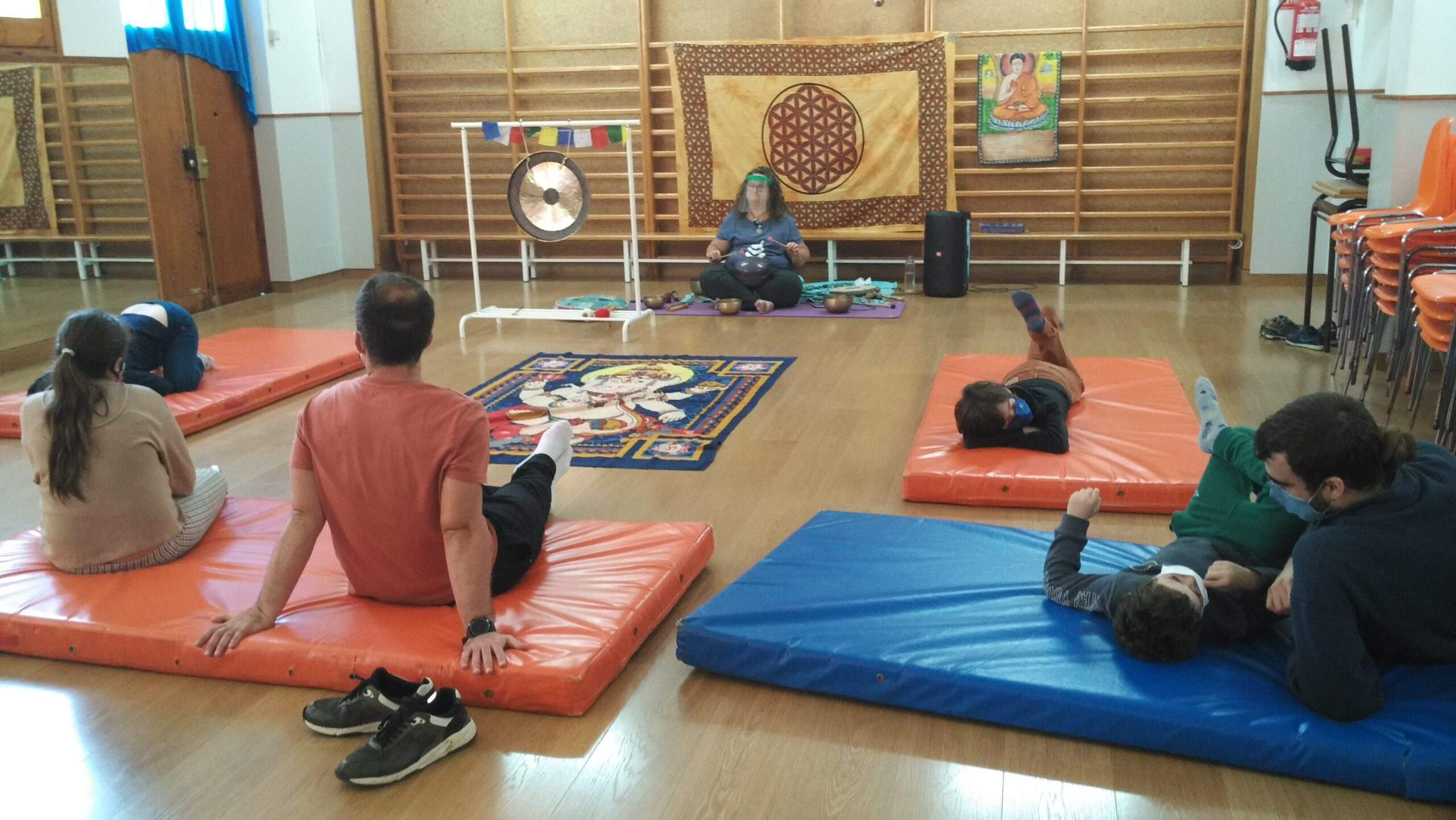 La SIEI fa un taller de ioga