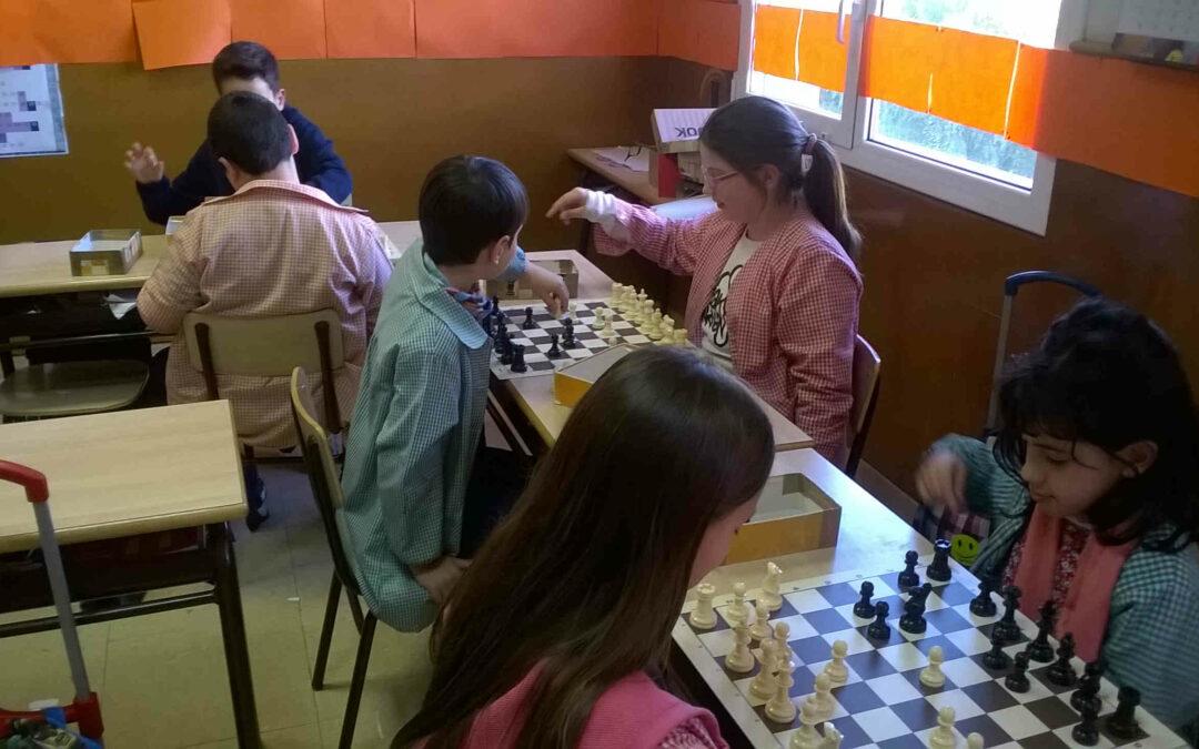 Juguem a escacs 4t